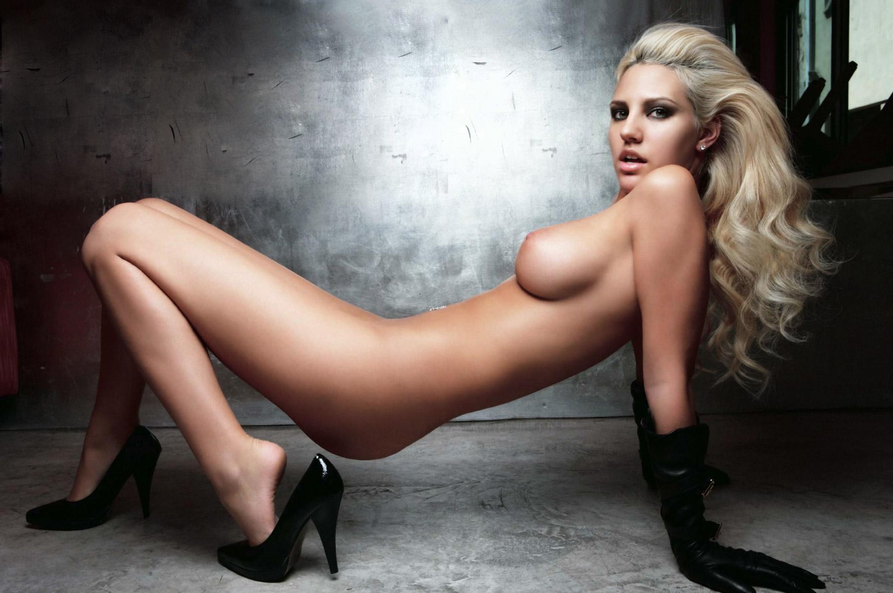 Nude Fourm 94