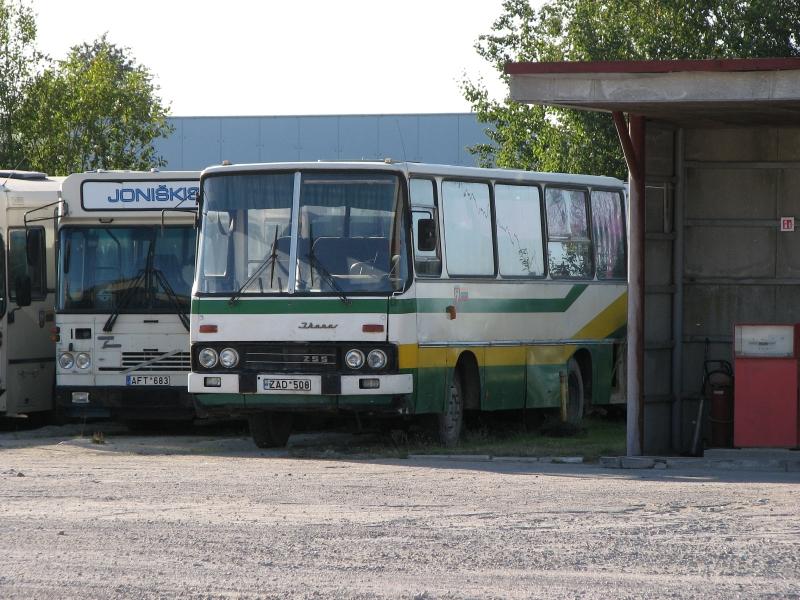 Ikarus 250. I saw one white Ikarus 250