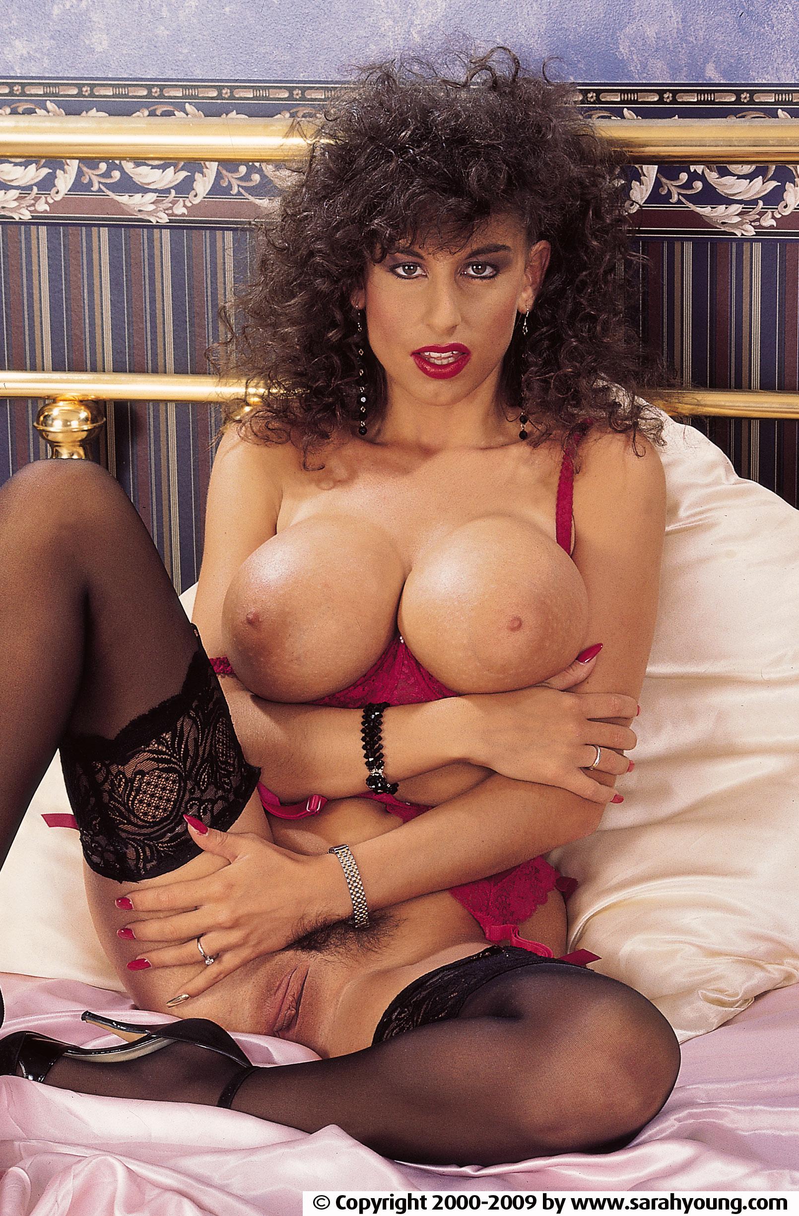Английская порнозвезда сара янг 0 фотография