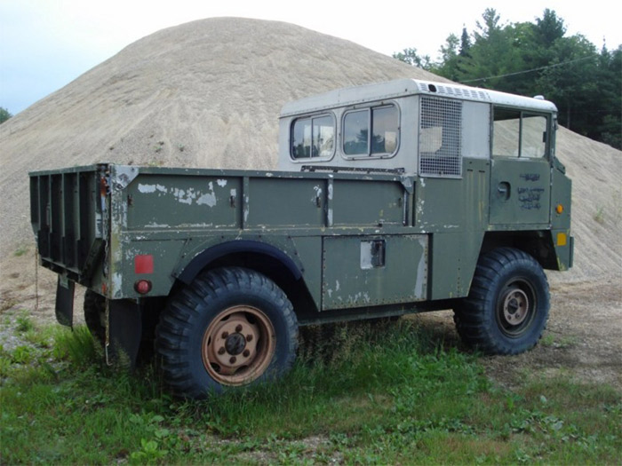 [Pilt: Chrysler_Military_Truck_Utility_High_Mobility_4x4.jpg]