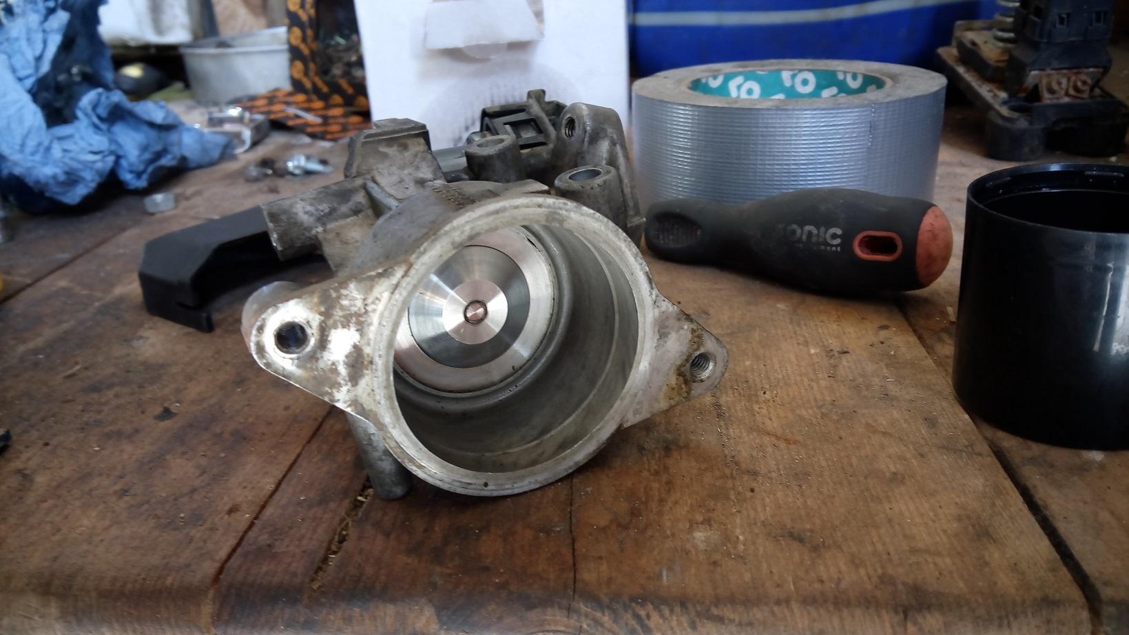 V50 2 0D throttle issue