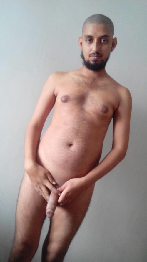 karachi_boy_muzammil_muhammad_asif_arain_nude_naked_porn_photo.jpg