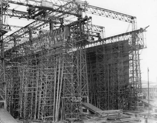 build_08_titanic.jpg