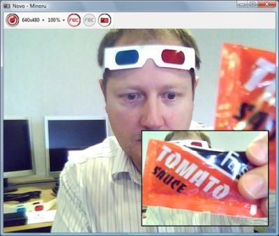 minoru-3d-webcam-colored-glasses.jpg